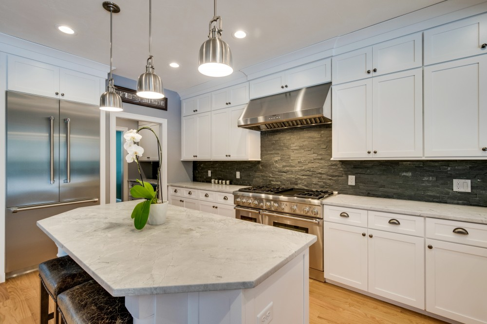 Photo By Barnes Building & Remodeling.