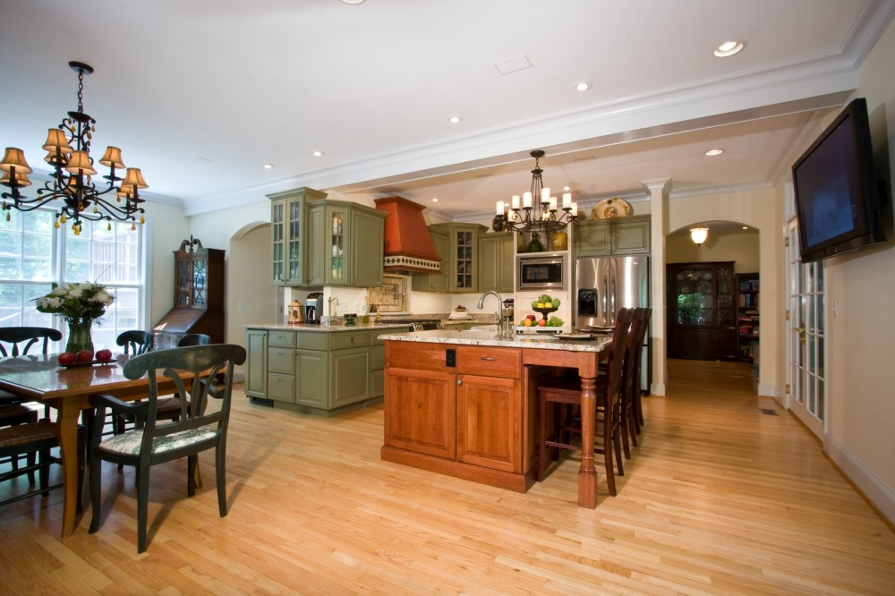 Photo By Golden Rule Creative Remodel. I Love Paris Kitchen