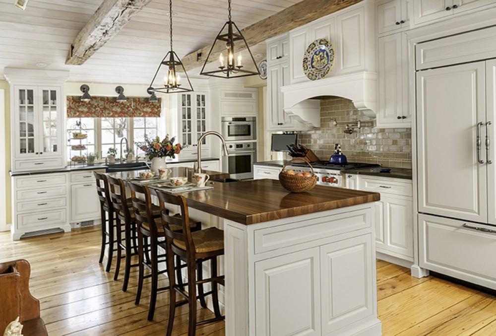 Photo By Aston Black. Farmhouse Kitchen