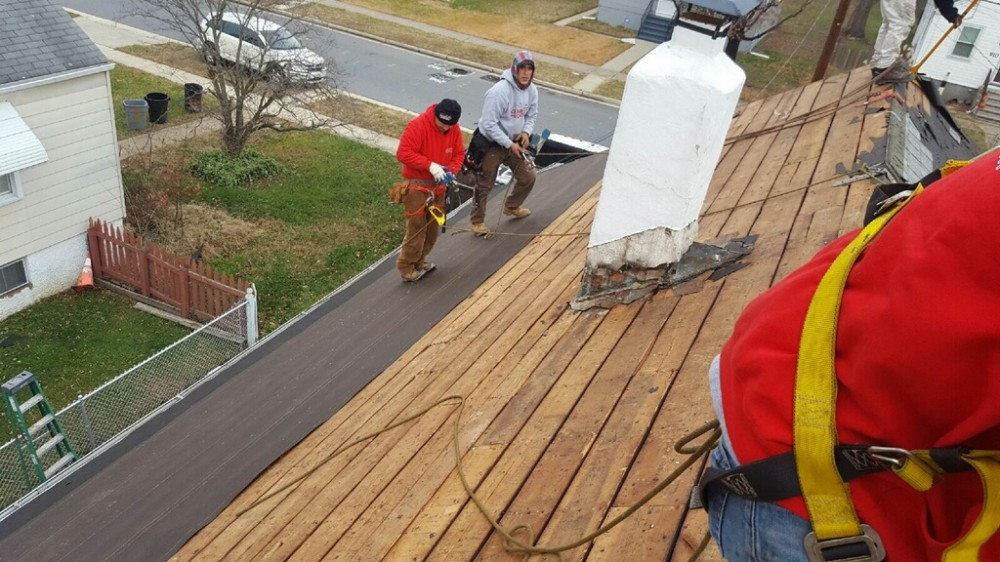 Photo By Charm City Roofing.