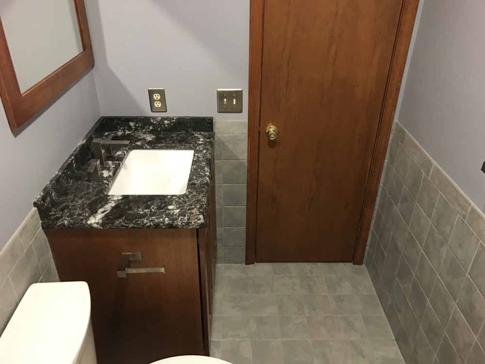 Photo By Dimon Construction Co Inc.. Main Bathroom