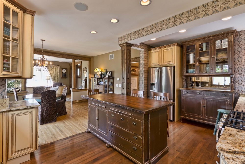 Photo By Synergy Builders. Taylor Kitchen