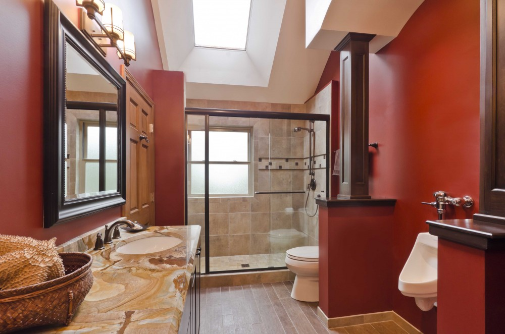 Photo By Synergy Builders. Hodgett Bathroom