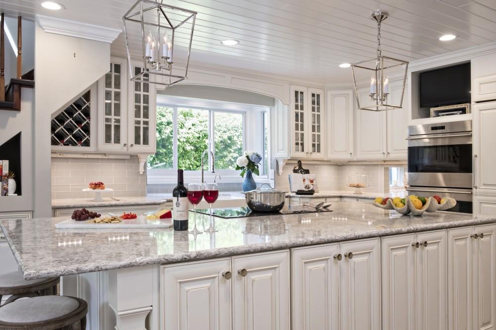 Photo By DreamMaker Bath & Kitchen Of SE Florida.