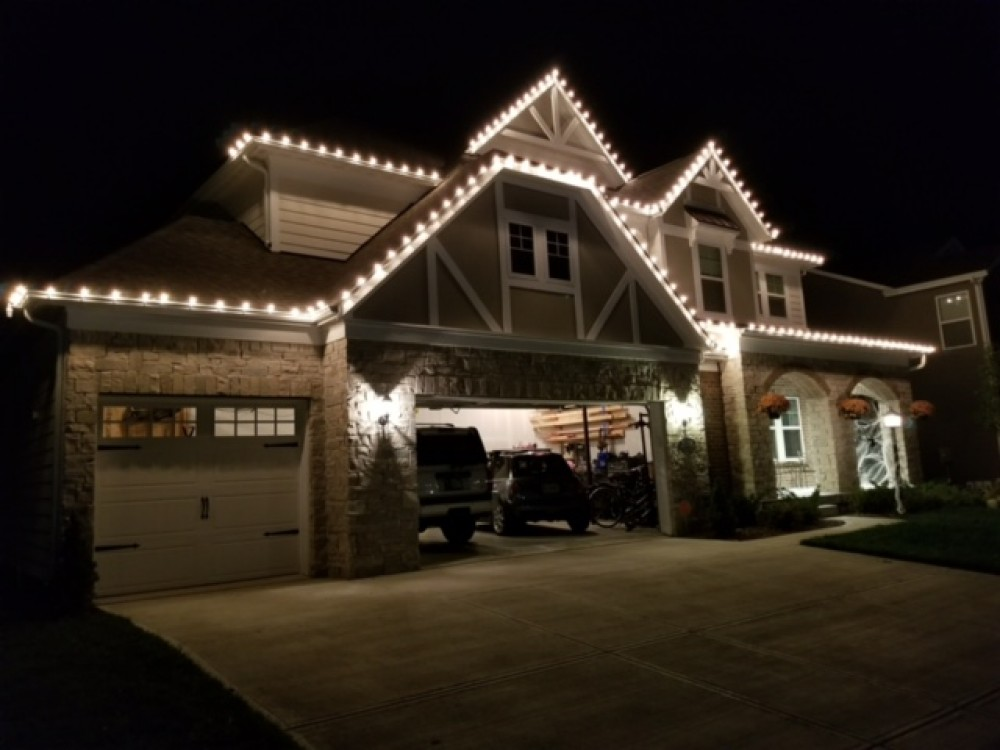 Photo By Christmas Light Installers (IN).