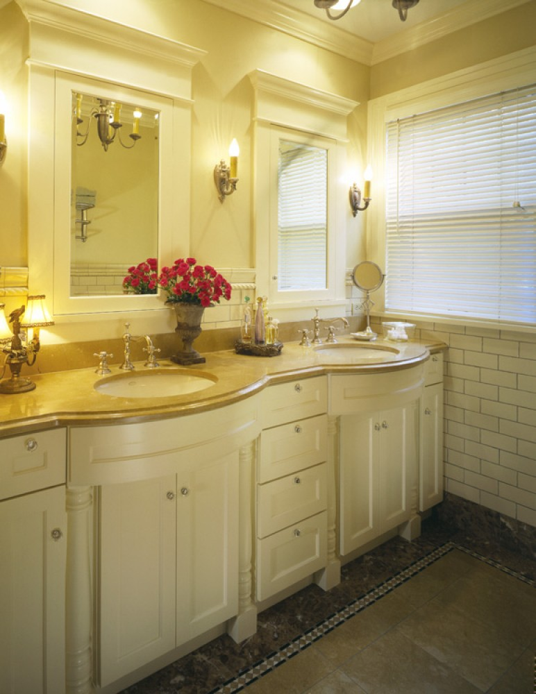 Photo By Sylvestre Construction Inc. Bathrooms