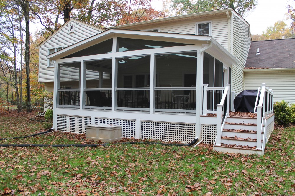 Photo By Sunshine Contracting. Decks & Porches