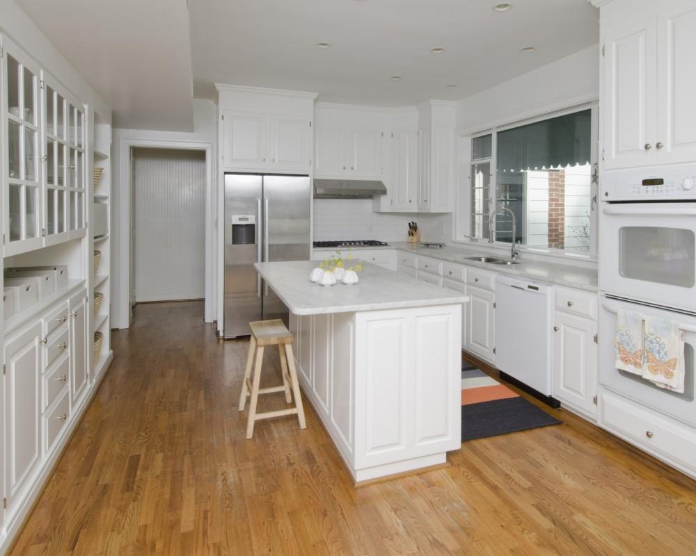 Photo By Glaze Design/Build. Kitchen Idea Center
