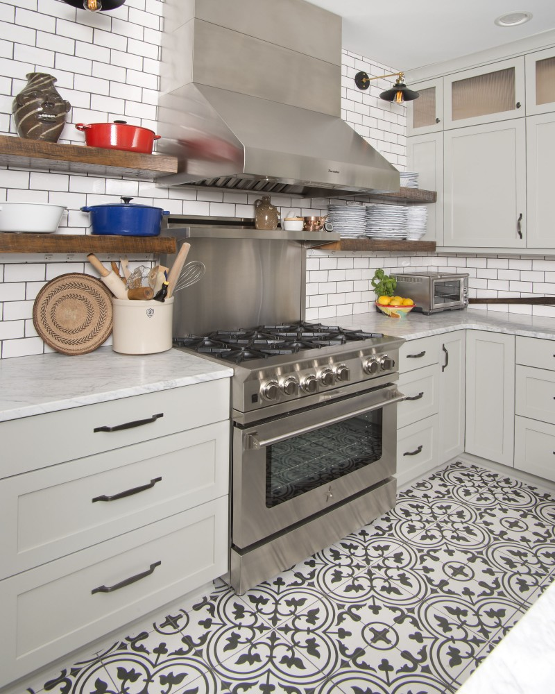 Photo By Glaze Design/Build. Kitchen Idea Center