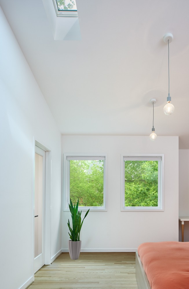 Photo By CARNEMARK Design + Build. STEELING HOME
