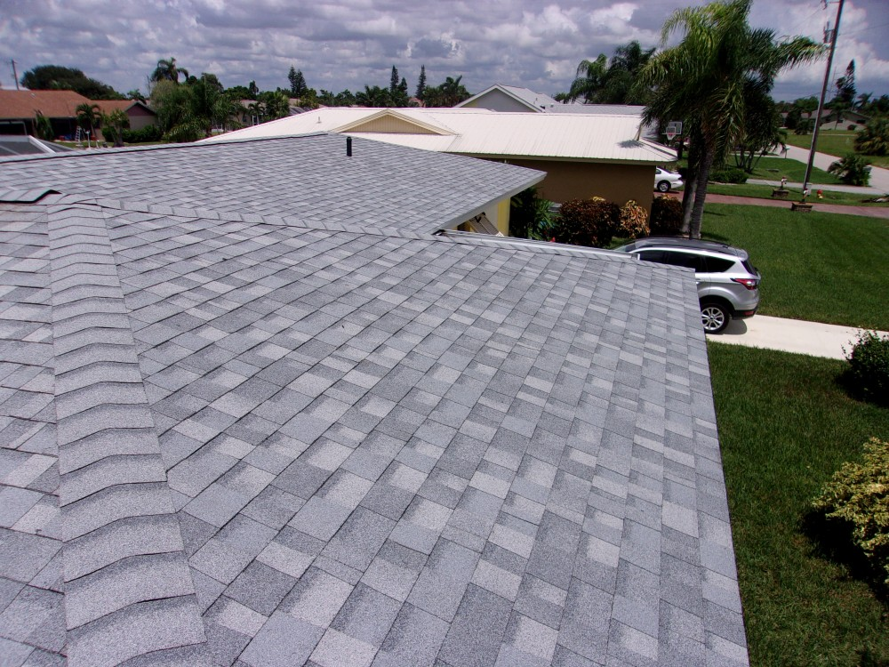 Photo By Frank's Roofing & Spraying, Inc..