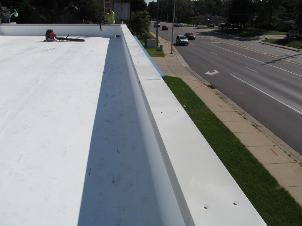 Photo By Great Lakes Roofing.