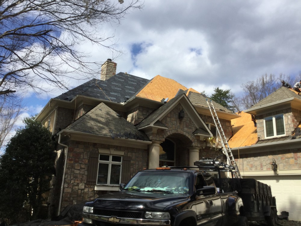 Photo By Signature Exteriors (NC). Roof Replacement - OC Oakridge Williamsburg Gray