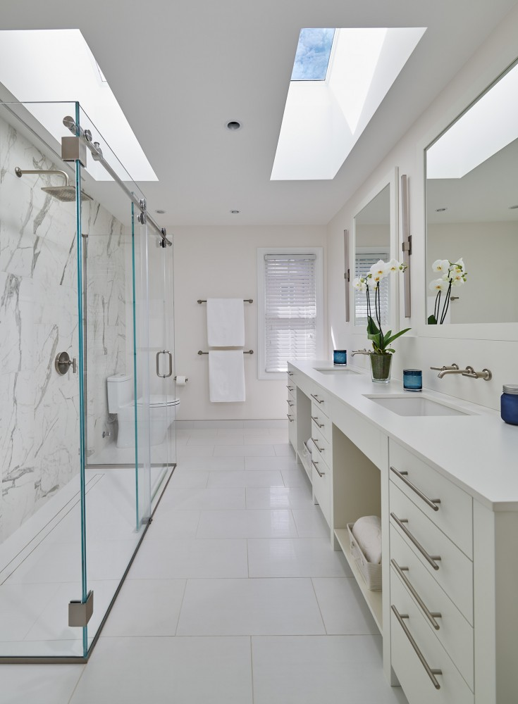 Photo By CARNEMARK Design + Build. SNOW WHITE - NW Washington Bath Remodel