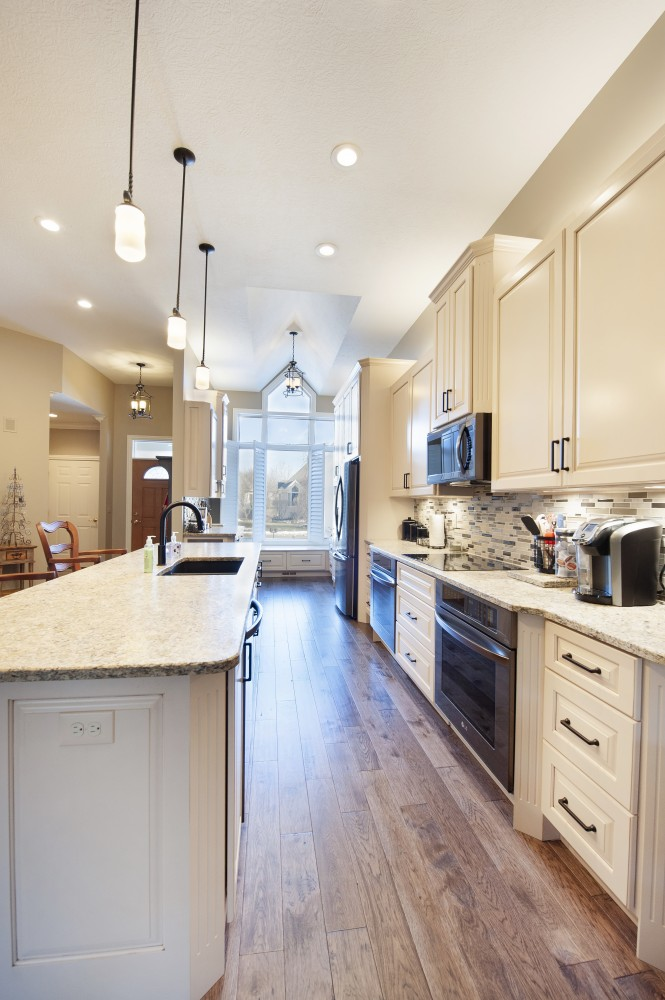 Photo By Pat Scales Remodeling. Marble Cliff Kitchen Remodel