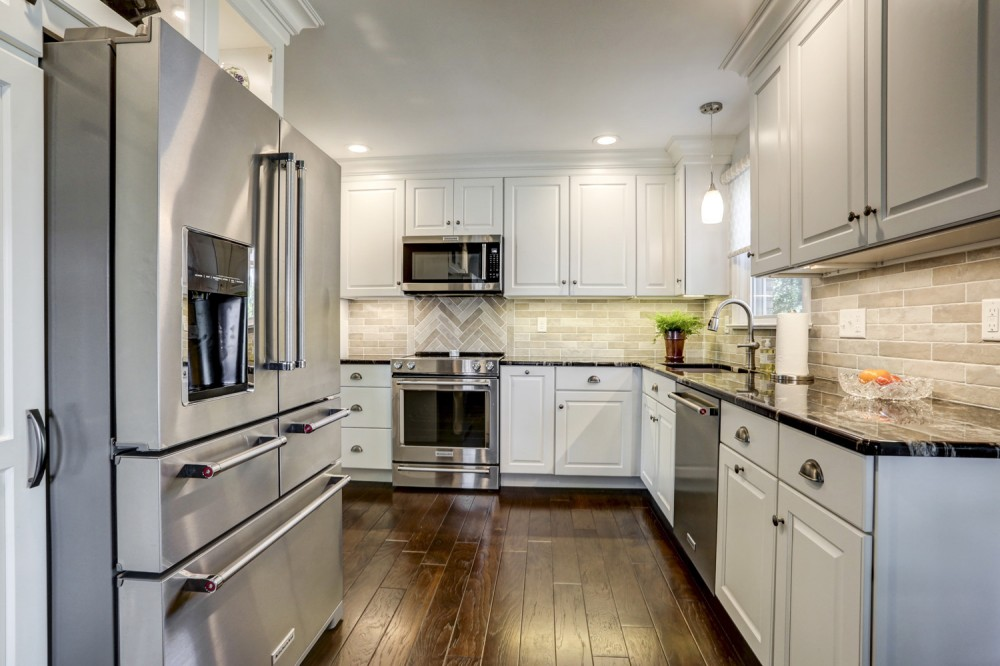 Photo By McLennan Contracting Inc.. Kitchen Remodels