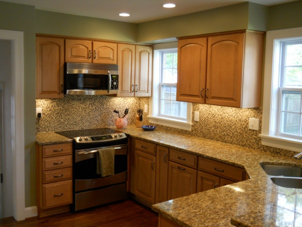Photo By Bailey Remodeling & Construction, LLC. Project - Weinberg Kitchen