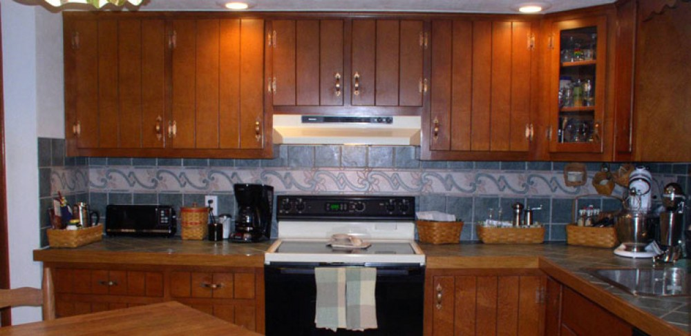 Photo By Your Remodeling Guys. Kitchen Refacing