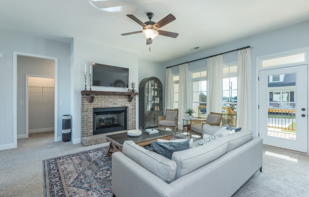Photo By America's Home Place. Greenville Berglund Model