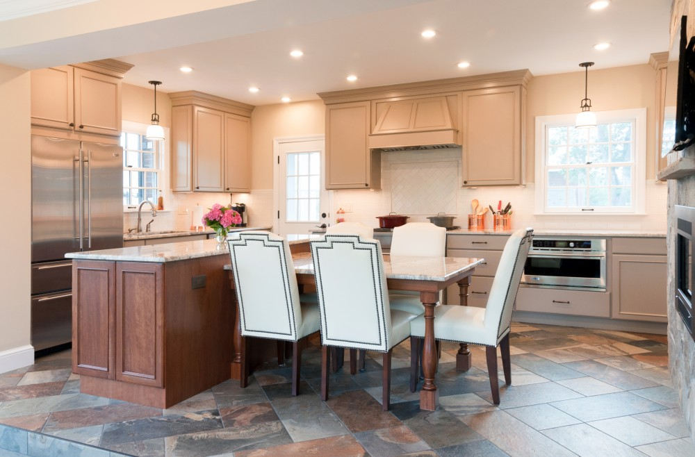 Photo By Hammer Design Build Remodel. Olney, MD 20832: Spacious Renovated Kitchen
