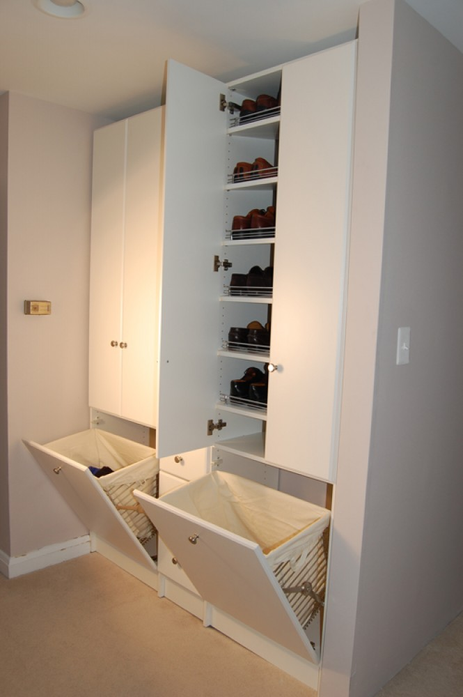 Photo By Closet America. Reach-in Closets