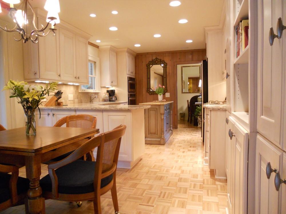 Photo By Splash Kitchens & Baths LLC.