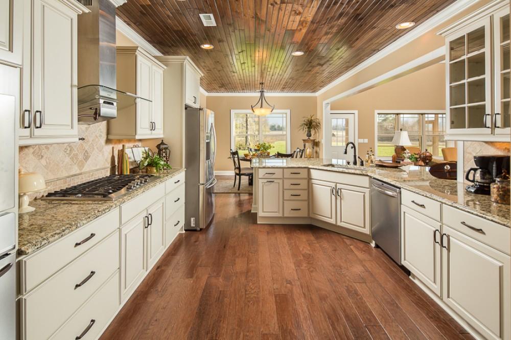 Photo By Pratt Home Builders. Custom Home