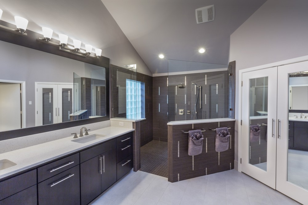 Photo By Signature Home Services. Contemporary Master Bath