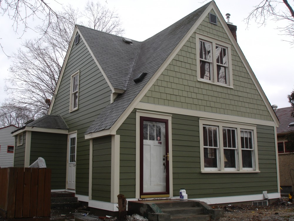 Photo By Craftsman's Choice. James Hardie Siding