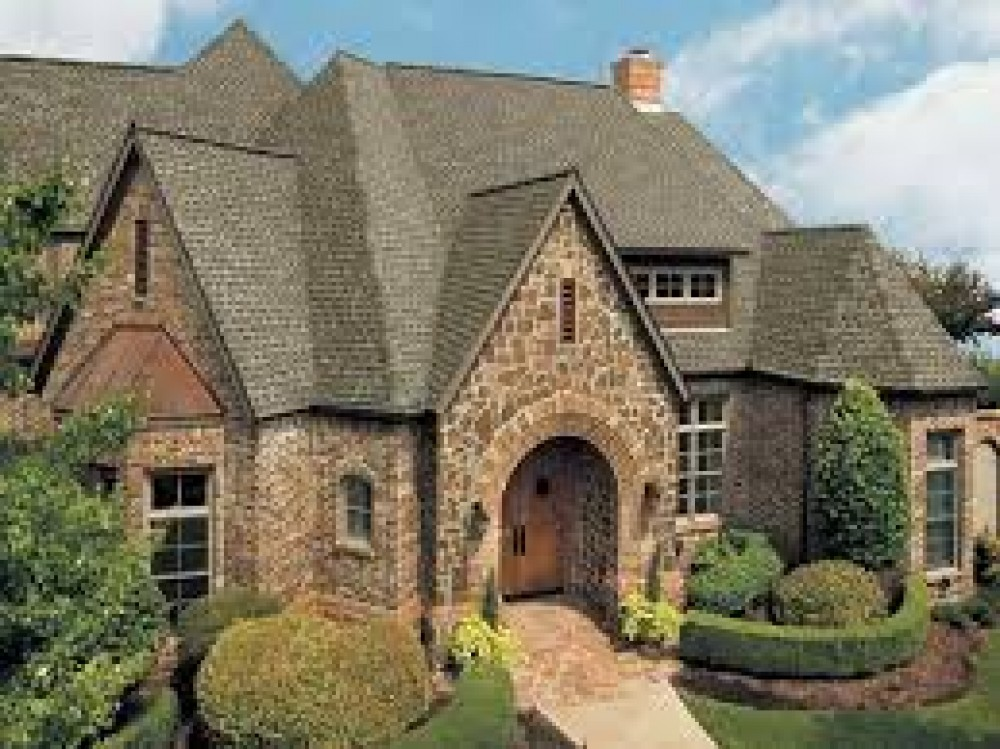 Photo By Renown Roofing And Construction.
