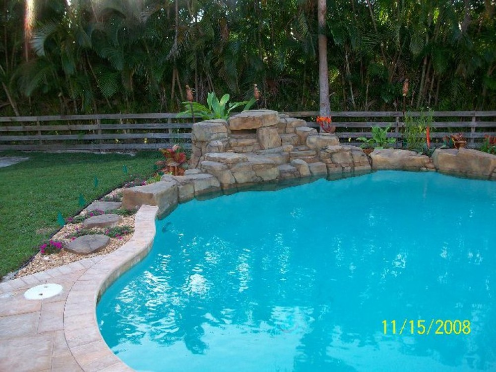 Photo By Essig Pools Inc.
