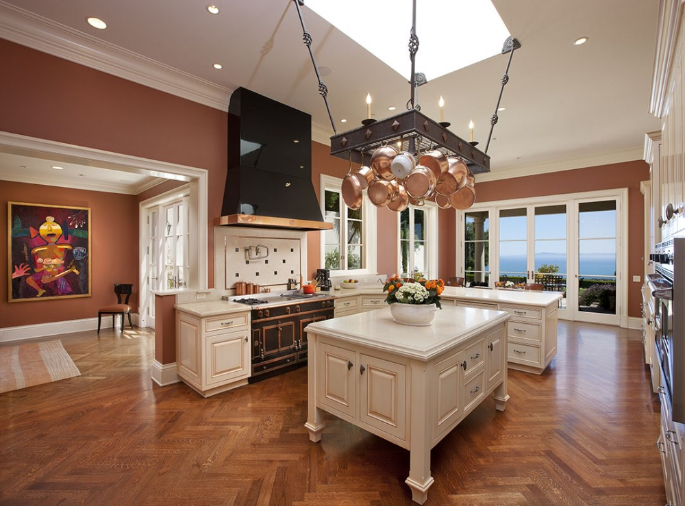 Photo By DD Ford Construction. Montecito Traditional