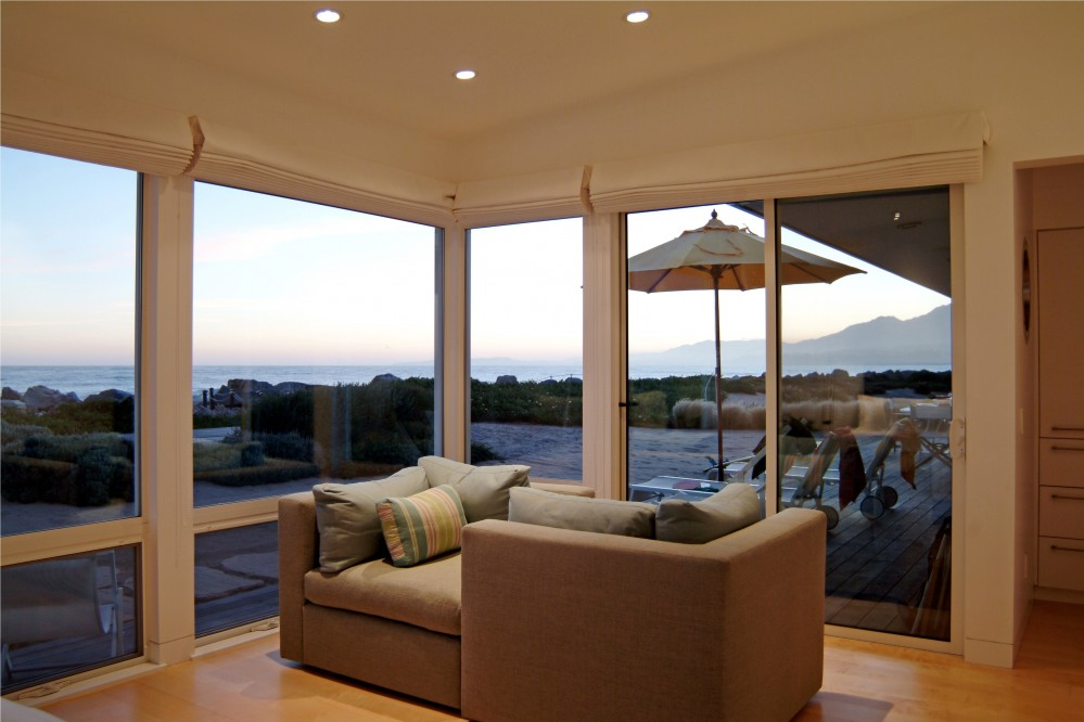 Photo By DD Ford Construction. Modern Carpinteria Beach House