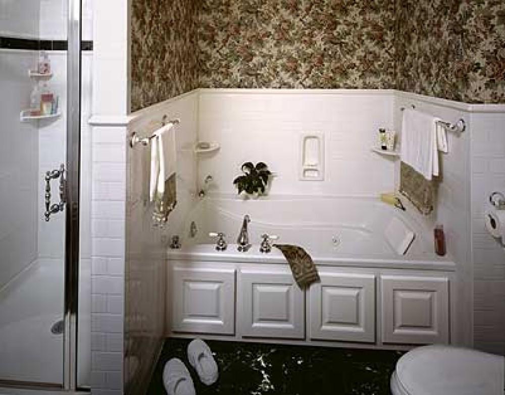 Photo By Interstate Custom Kitchen & Bath, Inc..
