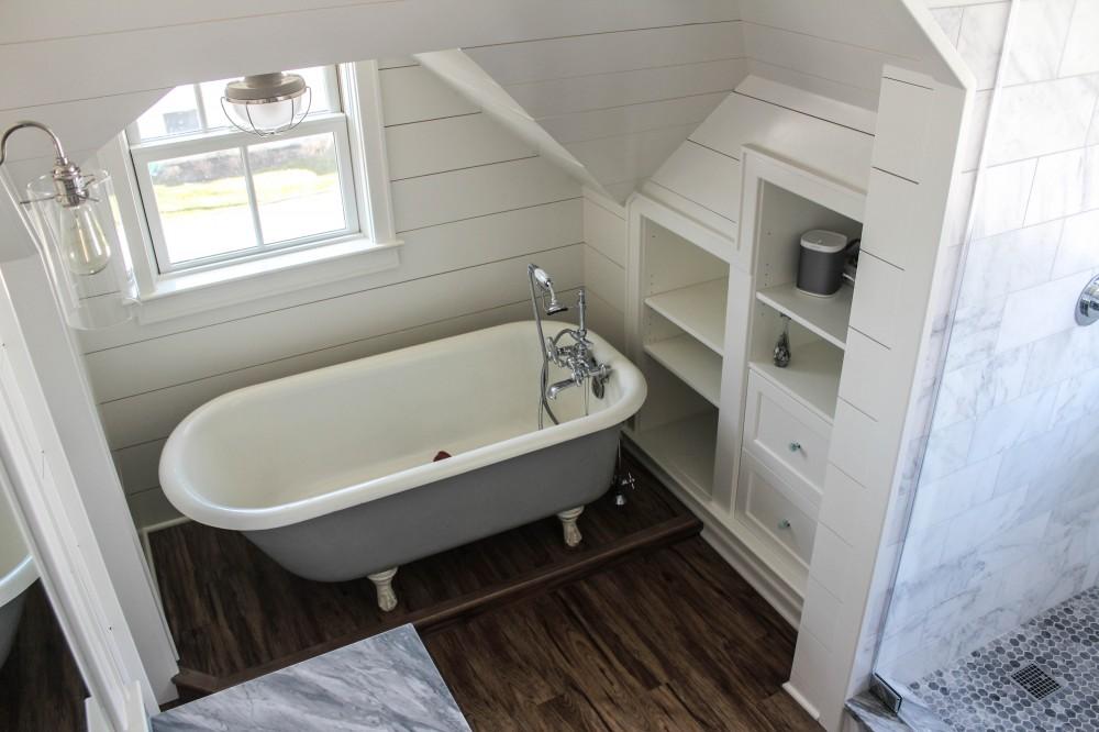 Photo By Baine Contracting, Inc.. Bayhead Bathroom